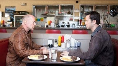Looper-Movie-Review